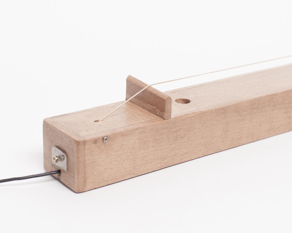Instrument jednostrunowy z mikrofonem